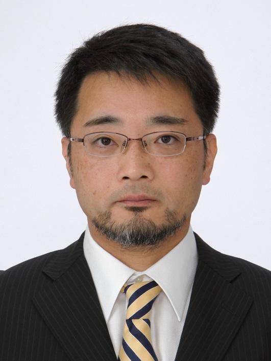 岩谷 靖雅 部長